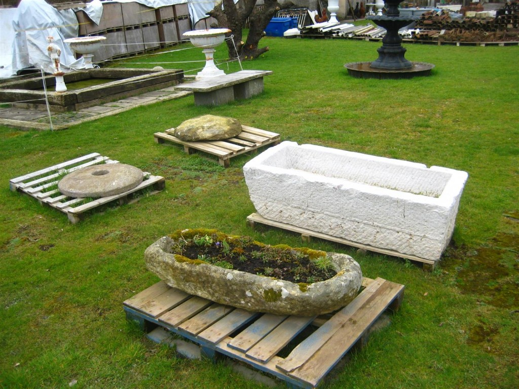 My gardening week december 18th 2014 happy christmas petrovska for Home architectural salvage yards